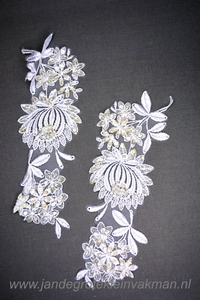 Kanten kraag (links-rechts), ca. 225mm x 70mm, wit