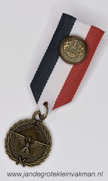 Fantasie medaille, rood-wit-blauw, ca. 90mm lang
