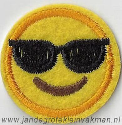 Smiley applicatie, opstrijkbaar en opnaaibaar, Ø 3cm