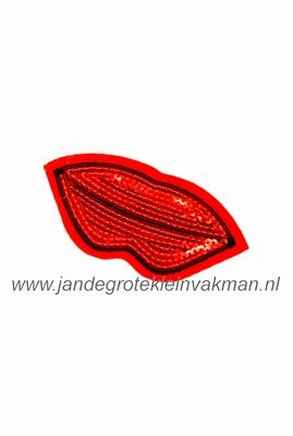 Applicatie met pailleten, opnaai- opstrijkbaar, lips