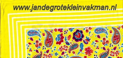 Bandana, fantasie motief,  achtergrondkleur geel