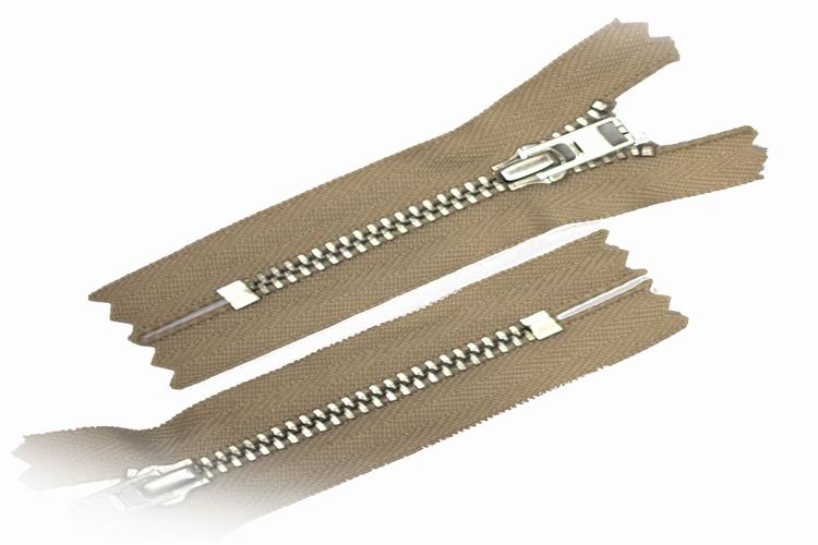Broekrits, niet deelbaar, 18 cm, metalen tanden, lichtbeige