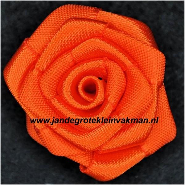 Roosje opnaaibaar. Oranje, ca. 35mm