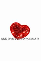 Applicatie met pailleten, opnaai- opstrijkbaar, hart rood
