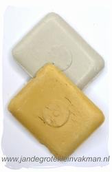 Kleermakerskrijt, twee blokjes, wit en geel
