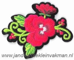 Opstrijkbare en/of opnaaibare bloemen applicatie, ca.52x52mm
