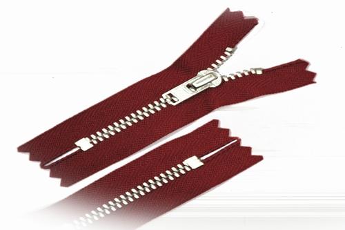 Broekrits, niet deelbaar, 15 cm, metalen tanden, rood