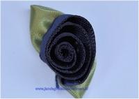 Roosje opnaaibaar met blaadjes. Donkerblauw, ca. 30mm