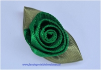 Roosje opnaaibaar met blaadjes. Groen, ca. 30mm
